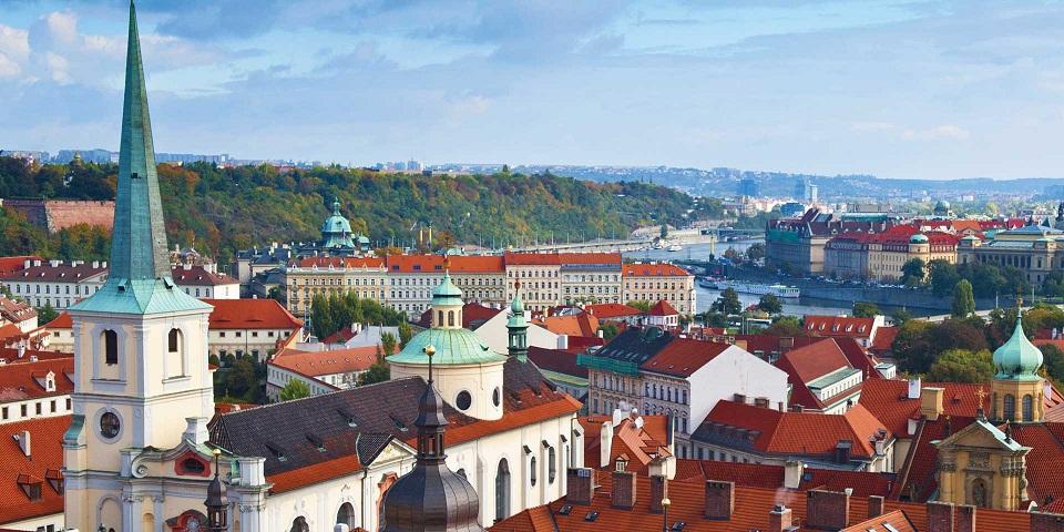 Prague_CzechRepublic_Tablet_1920x960